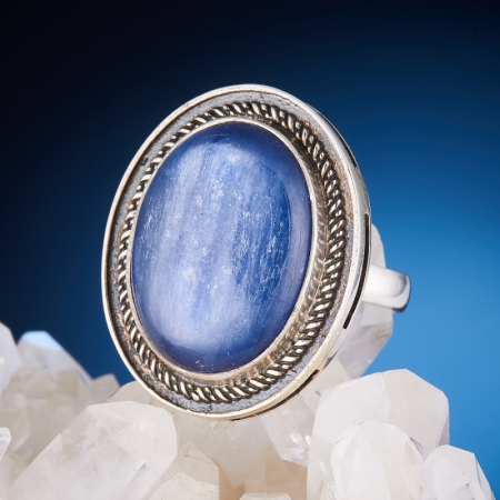 Кольцо кианит  (серебро 925 пр.)  размер 16,5