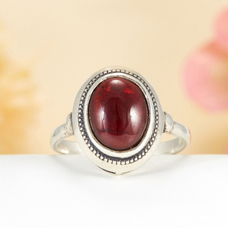 Кольцо гранат  (серебро 925 пр.)  размер 17